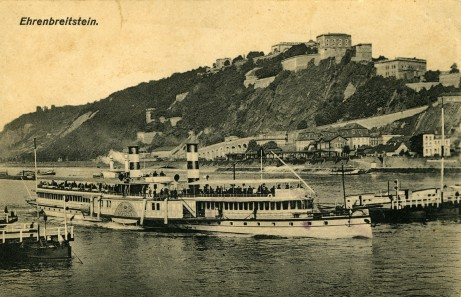 Postcard of Ehrenbreitstein fortress in Koblenz, Germany, 1918. Source: Roy Kennedy collection, MSS 256-083.