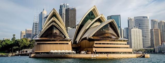 Sydney Opera House, n.d. Source: https://sco.m.wikipedia.org/wiki/File:Sydney_Opera_House_at_Sunset.jpg