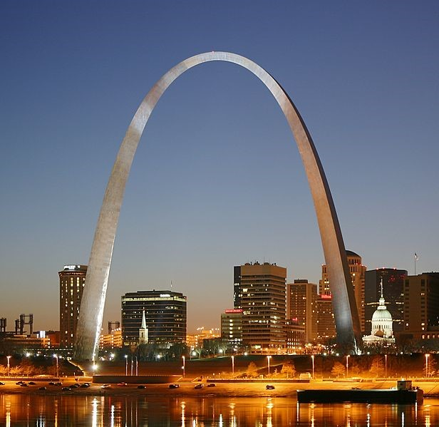 Gateway Arch, n.d. Source: https://commons.wikimedia.org/wiki/File:St_Louis_night_expblend_cropped.jpg