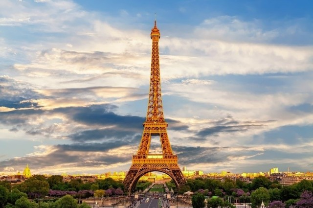 Eiffel Tower, n.d. Source: https://pixabay.com/en/eiffel-tower-paris-france-travel-3349075/