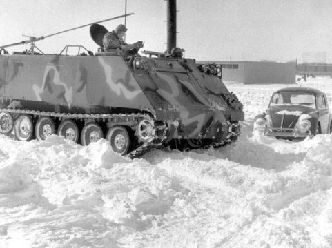 Tank going through the snow, 1978. Source: https://www.indystar.com/story/news/history/retroindy/2016/01/25/retroindy-blizzard-1978/79293570/