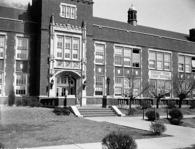 Benjamin Bosse High School in Evansville, Indiana, 1940. Source: Thomas Mueller collection, MSS 264-0483.