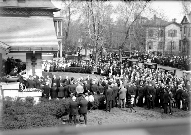 Benjamin Bosse funeral in Evansville, Indiana, 1922. Source: Thomas Mueller collection, MSS 264-2969.
