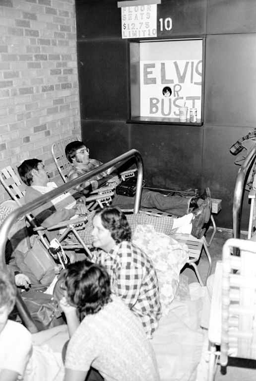 Fans waiting to buy tickets for Elvis Presley at Roberts Stadium, 1976. Source: Gregory Smith collection, MSS 034-0672.