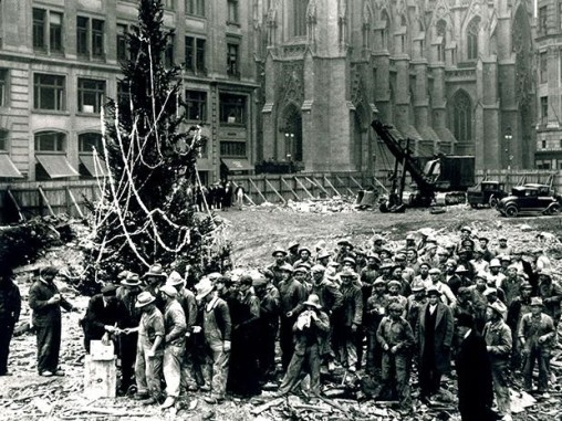 Rockefeller Center First Christmas Tree 1931. Source: https://tinyurl.com/rsuc5fy