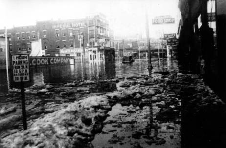 1937 flood image of the Imperial Hotel and surrounding buildings. Source: Great Flood of 1937 collection, MSS 272-1077.