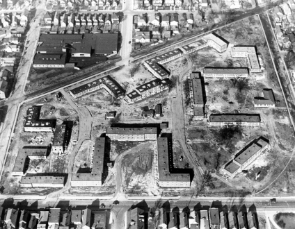 Aerial view of Lincoln Gardens under construction. Source: MSS 181-0367, Darrel Bigham collection.