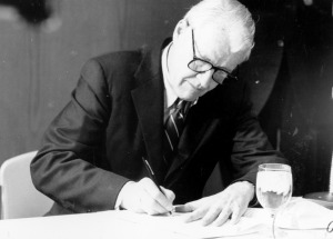 Governor Robert Orr signing independence bill in 1985.